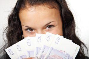 banknote 15628 960 720 1 300x200 MOTORIZZAZIONE TAPPARELLE